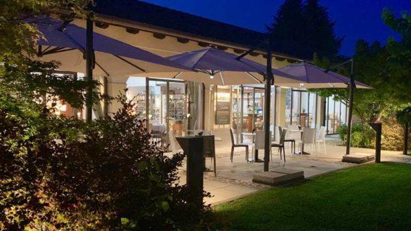 Ristorante In Villa - Corno Di Rosazzo, Udine | Tavoli esterno
